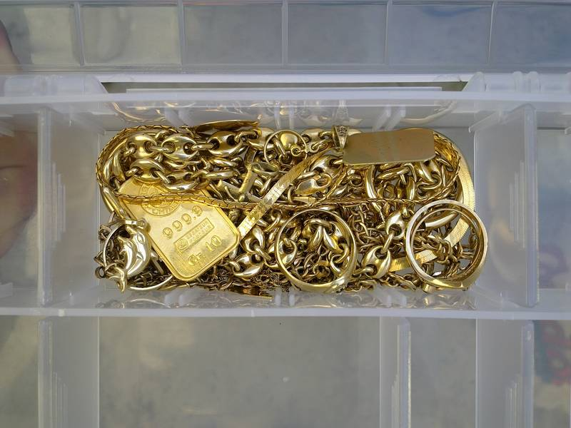 Gold scrap in a box