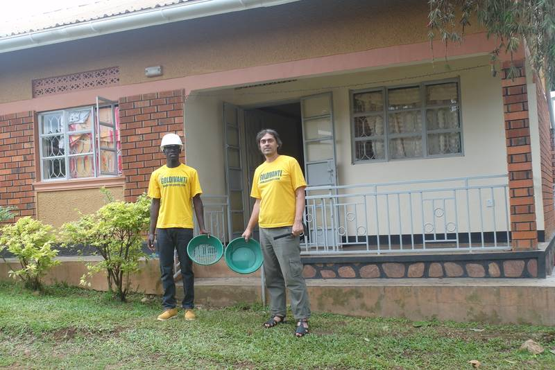 Mr. Louis and Mr. Obua before the research of alluvial gold in Kisoro, Uganda